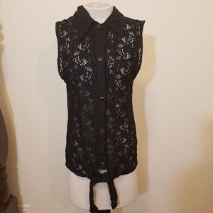 Blu Planet Button Up Lace Sleeveless Blouse